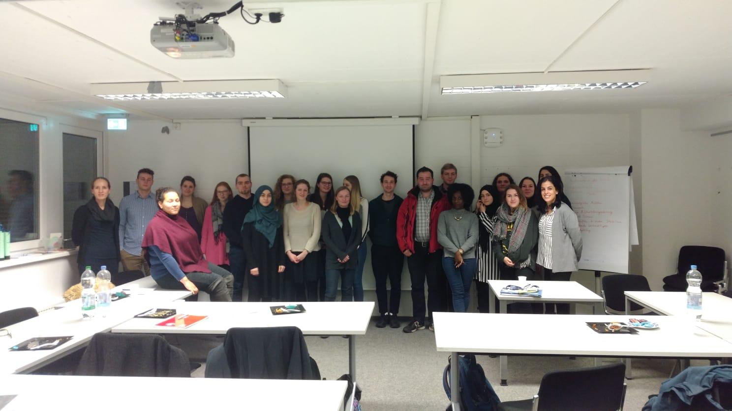"""Erfolgreiches Seminar zum Thema """"Schulerfahrungen von migrierten Jugendlichen und jungen Erwachsenen"""""""